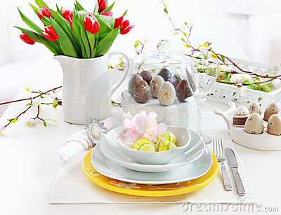 Place setting for Easter