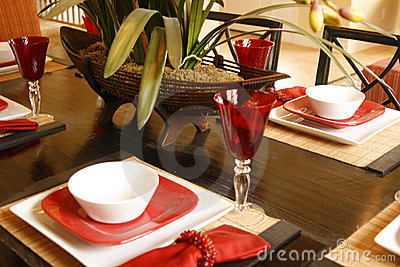 Placesetting in red and white