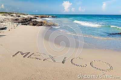 Plage mexicaine de mer des Caraïbes