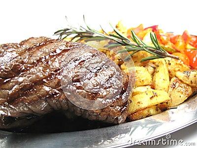 Plan rapproché de bifteck