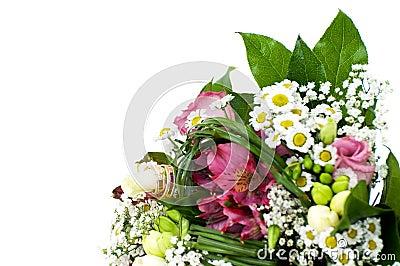 Plan rapproché du bouquet blanc de mariage