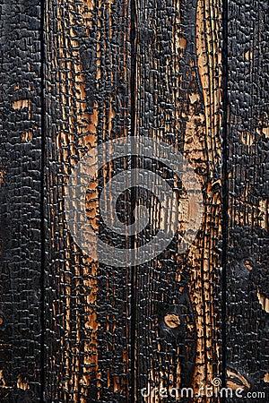 Planches en bois brûlées