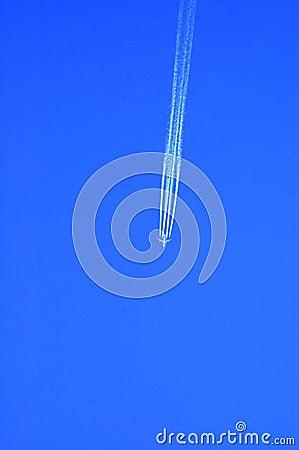 plane vapour trails