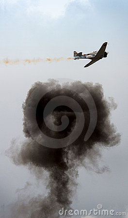 Free Plane With Explosion Royalty Free Stock Photos - 185308
