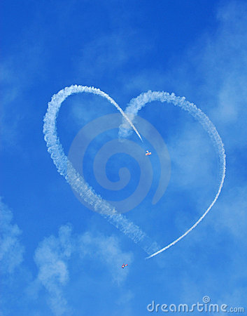 Free Planes Skywriting Heart Royalty Free Stock Photo - 3745085