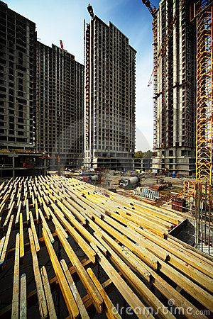 On planking between buildings under construction