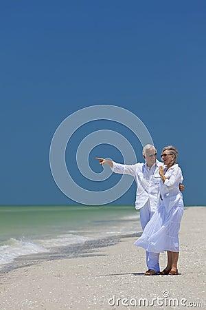 Plażowej pary szczęśliwy target1758_0_ denny senior