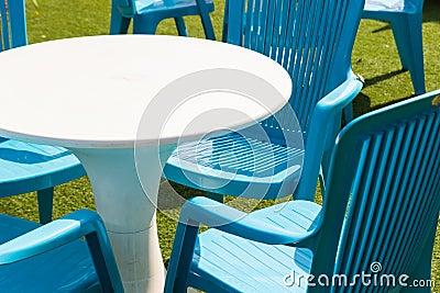 Plastic bureau en stoel stock foto afbeelding