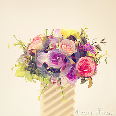 Free Plastic Flowers For Decoration Stock Images - 40223054