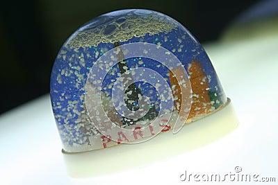 Plastic snow paris souvenir