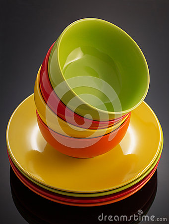 Free Plate And Bowl On Black Royalty Free Stock Photos - 73477028