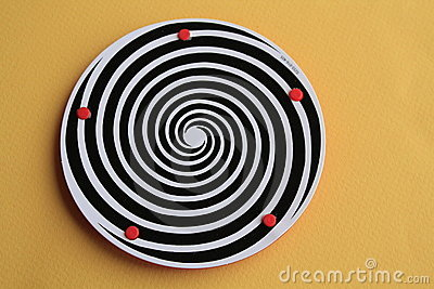 Plate with hypnotic swirl