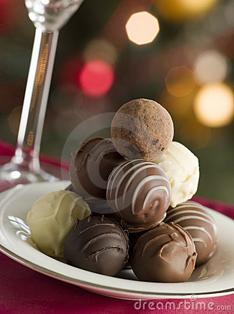 Free Plate Of Chocolate Truffles Stock Images - 5606804