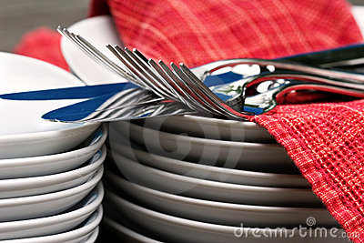 Plates, cutlery, & napkins - up close