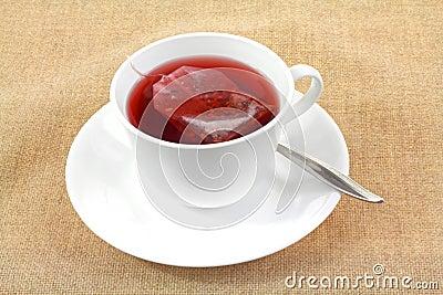 Platillo de la taza de la elaboración de la cerveza del bolso de té