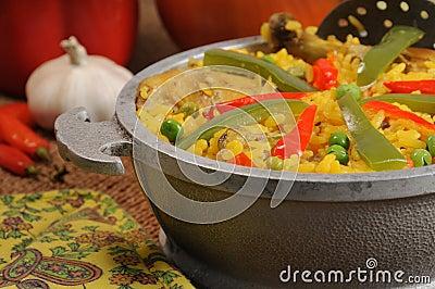 Plato cubano - arroz salado con el pollo