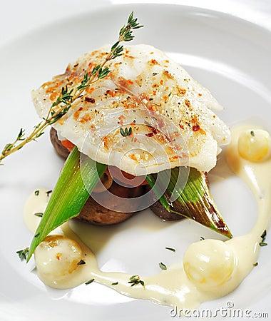 Platos de pescados calientes filete del halibut - Platos gourmet con pescado ...