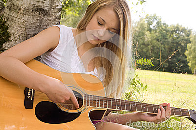 Play with the guitar