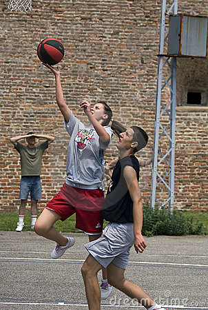 Free Player Shoots To The Ball Royalty Free Stock Images - 19680979
