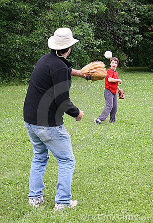 Free Playing Catch Royalty Free Stock Images - 14993729