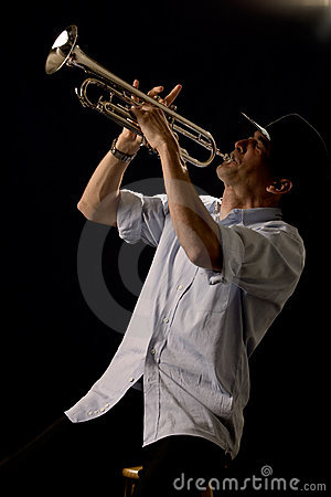 Free Playing The Trumpet Royalty Free Stock Images - 2642249