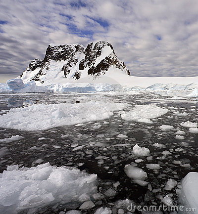 Pleneau Bay - Antarctic Peninsula - Antarctica