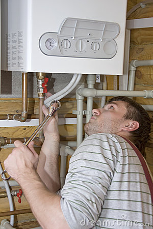 Plombier au travail