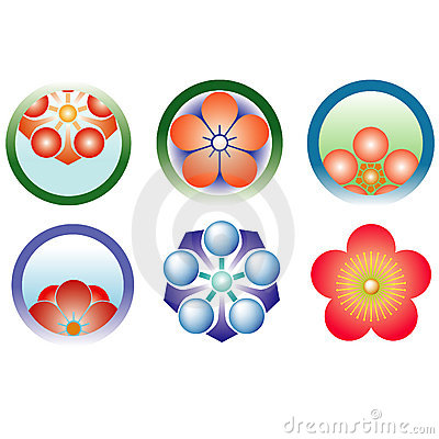 Plum blossoms in the family crest and the crest of