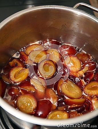 Plum jam making