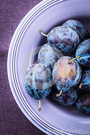 Free Plums Royalty Free Stock Photo - 26268585