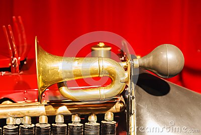 Pneumatic old car horn
