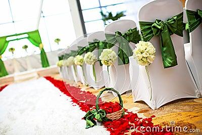 Poślubia krzesła