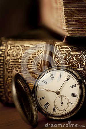 Free Pocket Watch With Old Books Stock Images - 30674954