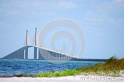 Podpalany bridżowy skyway światło słoneczne Tampa
