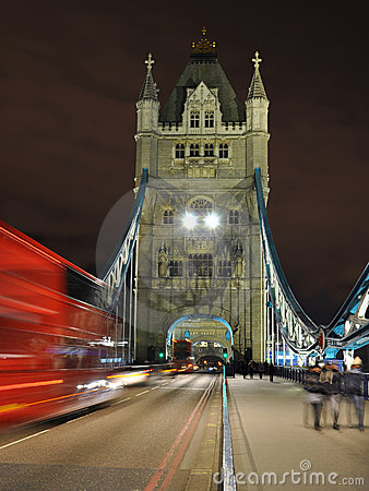 Point de vue de nuit de passerelle de tour, Londres