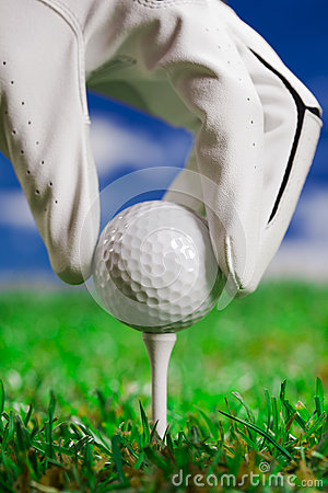 Pointing ball on golf field!