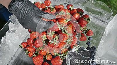 Pojęcie zdrowy żywienioniowy odżywianie sezonowe jagody Rolnik rozprzestrzenia ukradzione naturalne truskawki zdjęcie wideo