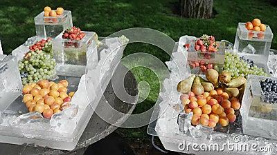 Pojęcie zdrowy i zdrowy żywienioniowy odżywianie sezonowy jagod 4k zwolnione tempo Rolnik rozprzestrzenia ukradzionego zbiory