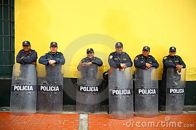 Polícia à espera Foto Editorial