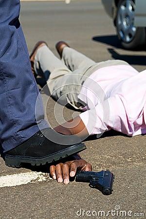Polícia e criminoso
