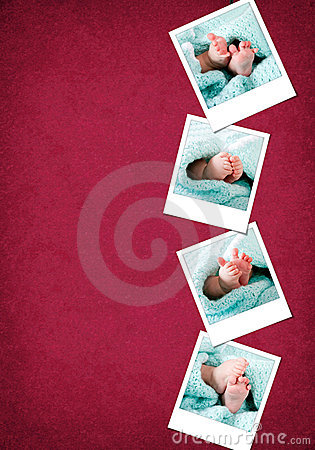 Polaroides felices divertidas de los pies del bebé
