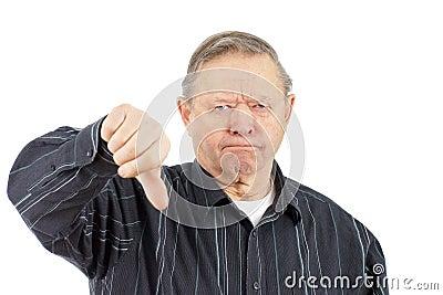 Polegares do homem idoso para baixo