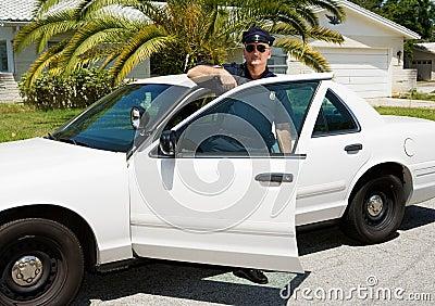 Policía - oficial y coche policía