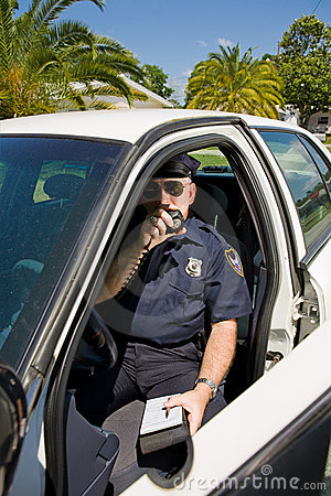 Police - appelant dans l étiquette