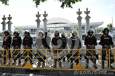 Police Commandos Stand Guard at Thai Parliament Editorial Stock Image