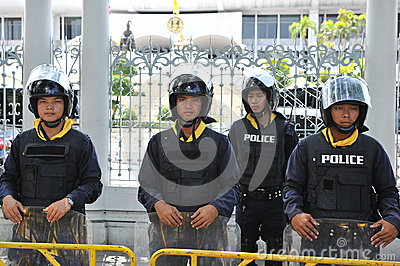 Police Commandos Stand Guard at Thai Parliament Editorial Photography