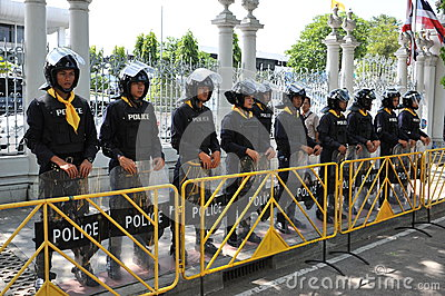 Police Commandos Stand Guard at Thai Parliament Editorial Image