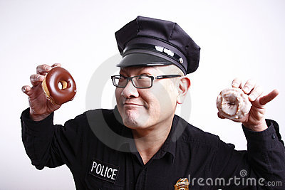 police-officer-donuts-12298112.jpg