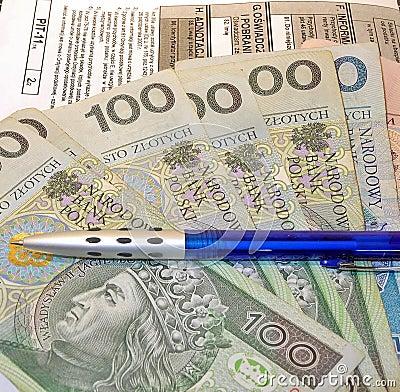 Free Polish Tax Form (PIT-11) And Polish Money Royalty Free Stock Image - 37464636