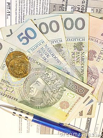 Free Polish Tax Form (PIT-11) And Polish Money Royalty Free Stock Photo - 37465005